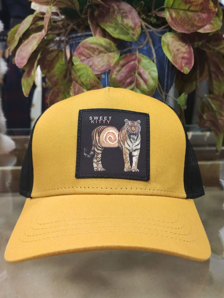 Gorra parche SWEET KITTY Mustard NUM wear