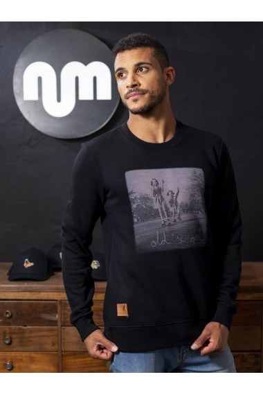 Sudadera NUM wear OLD IS COOL unisex color Black